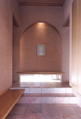 玄関ホールの飾り棚