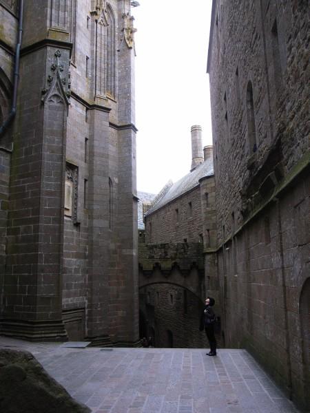 要塞のような通路