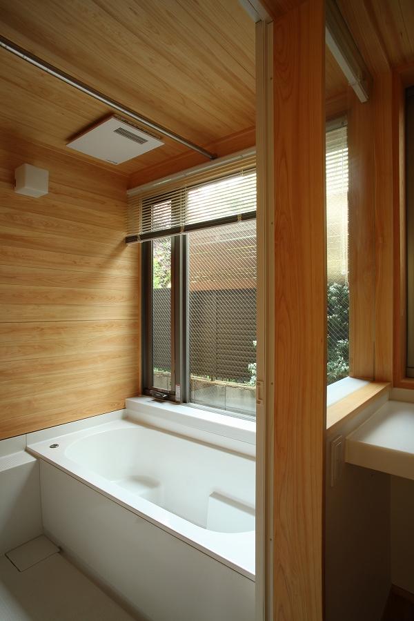 三鷹の家08浴室