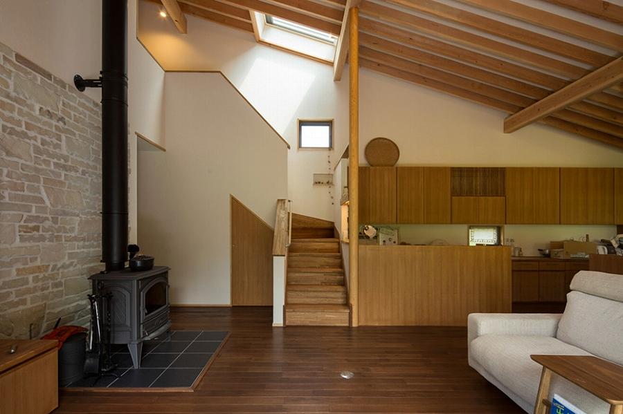 茅野の家-居間2